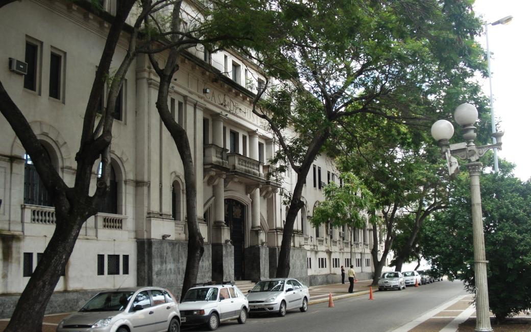 LISTADOS DE CARGOS DE FUNCIONARIOS JUDICIALES Y SUBROGANCIAS EN LOS JARDINES MATERNO INFANTILES DE LOS TRIBUNALES DE SANTA FE Y ROSARIO