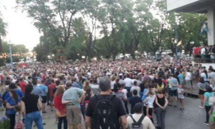 MANIFESTACIÓN Y REPUDIO POR LOS ACTOS DE VIOLENCIA CONTRA LA CASA DEL GOBERNADOR