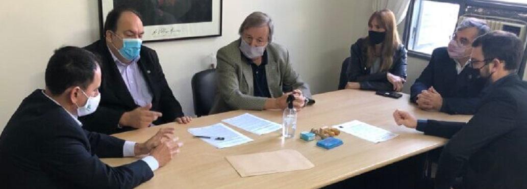 FIRMA DE NUEVO CONVENIO CON LA FACULTAD DE DERECHO DE LA UNIVERSIDAD CATÓLICA DE SANTA FE